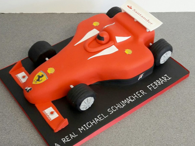 Birthday-Cake-Racing-Car