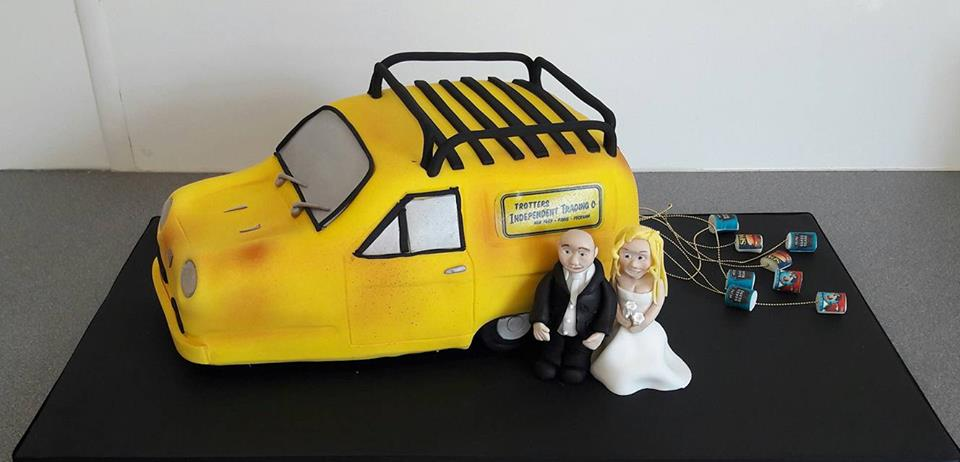 3-wheeled-van-wedding-cake